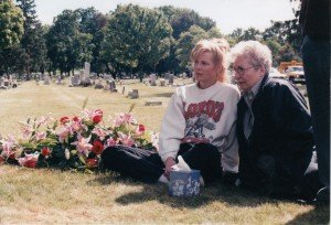 Robyn and Almida graveside